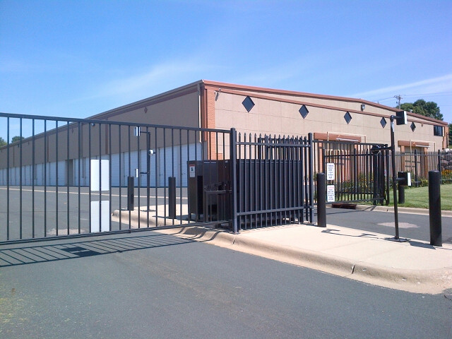 Center Gates