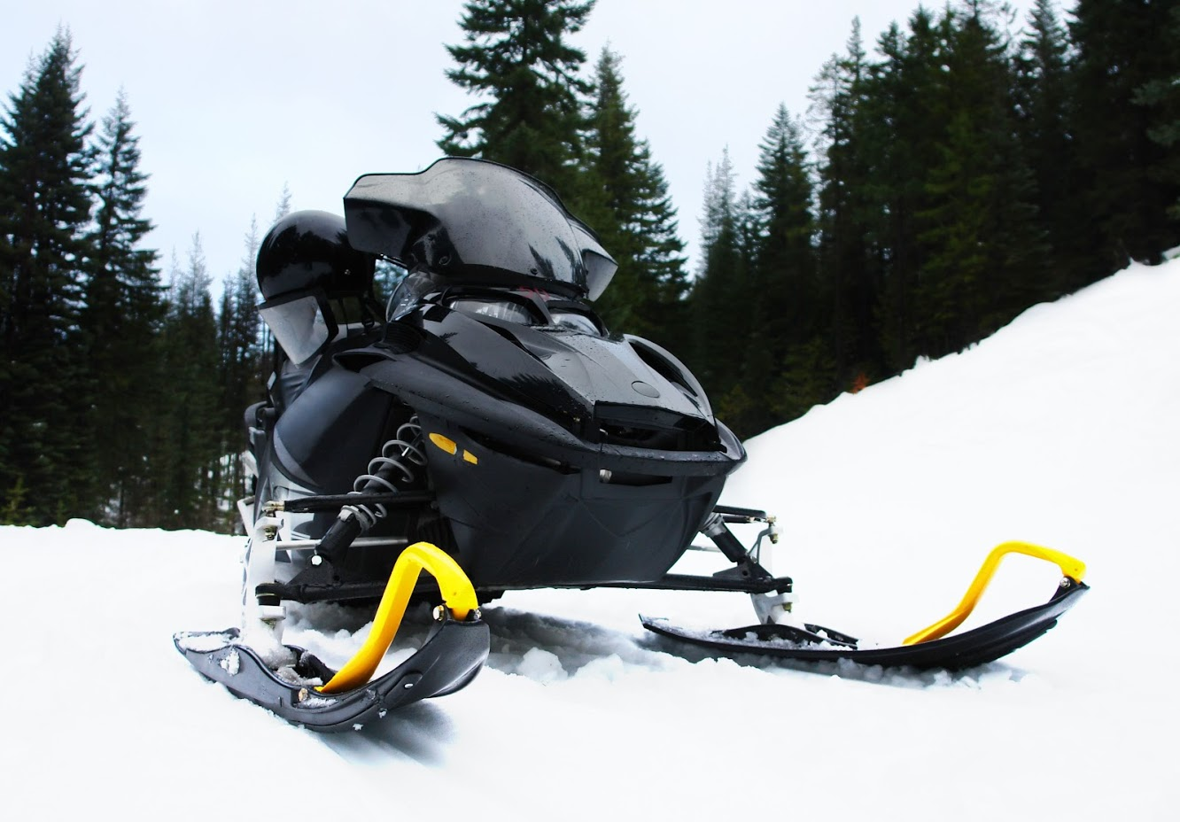 6 Steps to Prepare Your Snowmobile for Storage