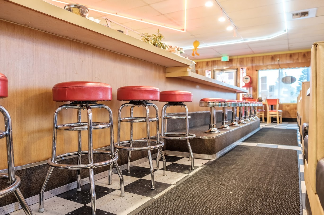 5 Ways Restaurant Owners Can Benefit From Storage Unit Rentals